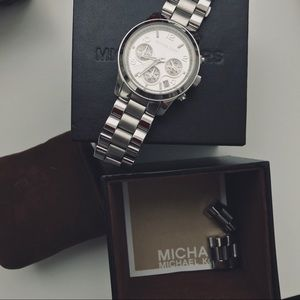 Michael Kors | Stainless Steel Silver Watch